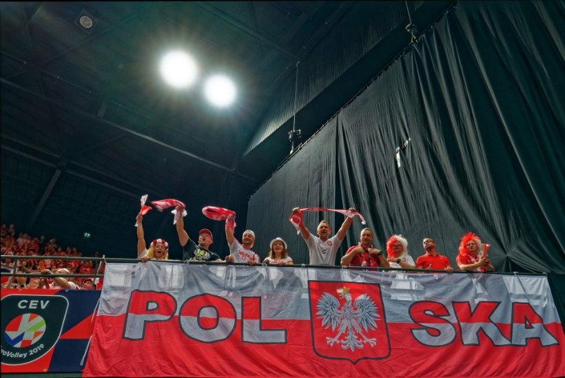 ÕL HOLLANDIS | Poola fännid toppisid kodupubliku suu kinni