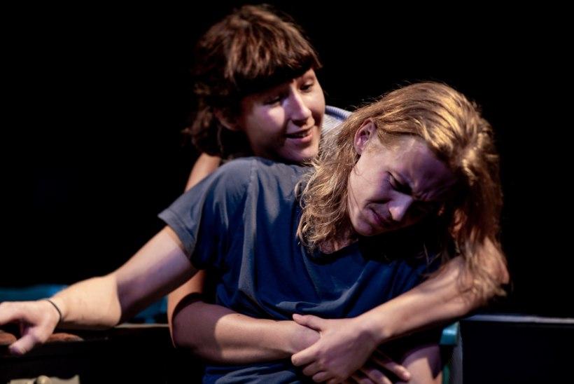"""Rakvere teatri 80 hooaega: """"Oli aegu, kui inimesed istusid saalis kasukates ja mantlites."""""""