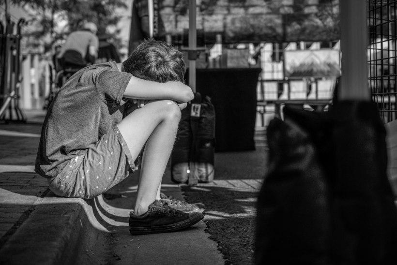 LAPS KÄITUB IMELIKULT: 8 märki, etta võib olla kiusamise ohver