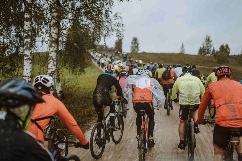 """Viiendik """"mudamaratonile"""" registreerunud ratturitest jäi pühapäeval hoopis sooja teki alla"""
