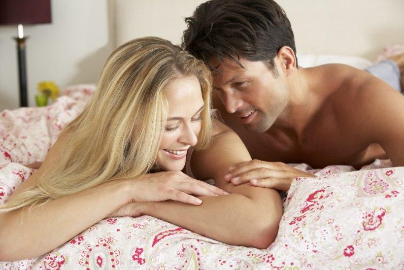 NAISTEARST SELGITAB: kas suguhaiguse võib saada ka suudeldes?