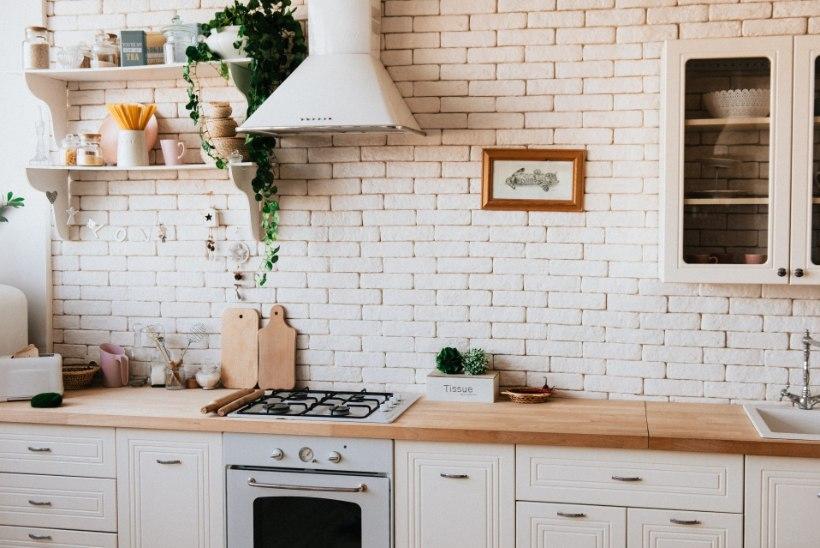 4 tõhusat võimalust, kuidas puhastada pliidi ja soemüüri kive