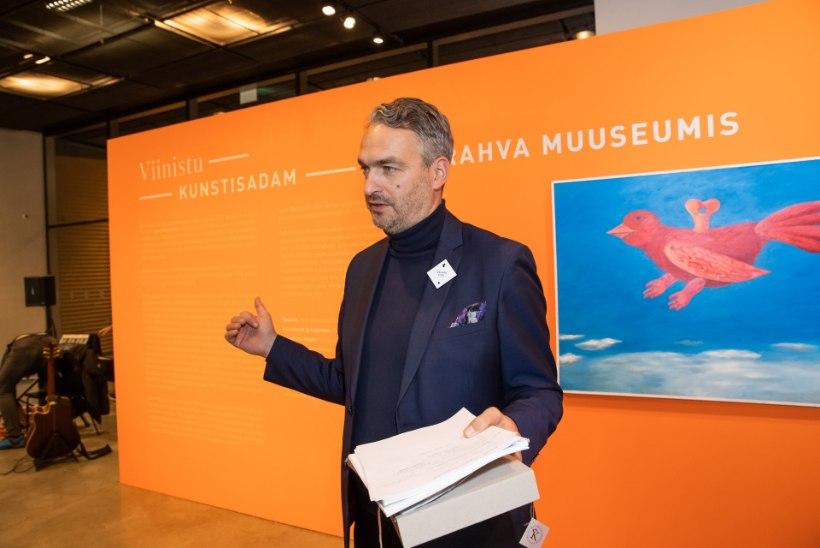 GALERII | 200 teost Jaan Manitski erakogust rändas ERMi näitusele