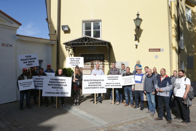ÕL VIDEO JA GALERII   Protestivad päästjad: palk on väike ja uusi töötajaid peab tikutulega otsima