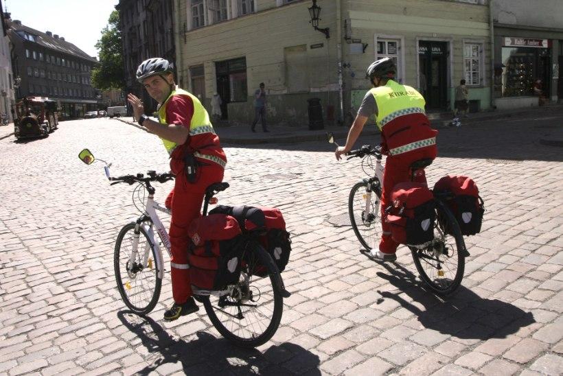 Kiirabi rattapatrull aitas 62 joobnud inimest