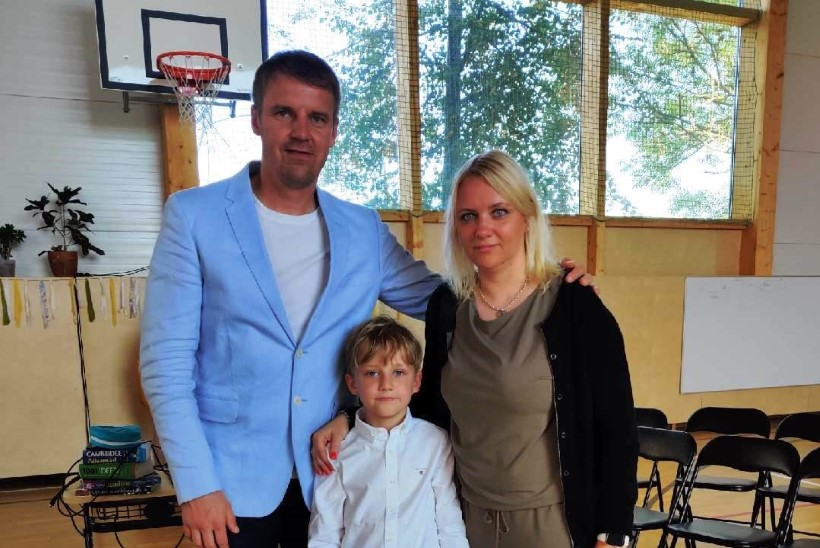 Urmo Aava noorem poeg alustas kooliteed: olen tahtnud, et lastel oleks lapsepõlv