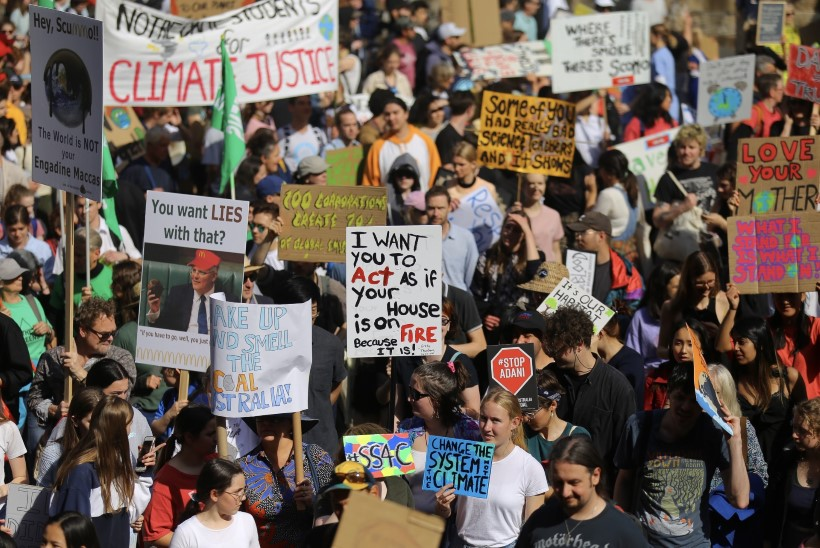 GALERII | KLIIMASTREIK: üle maailma kogunesid miljonid noored, et avaldada meelt looduse kaitseks