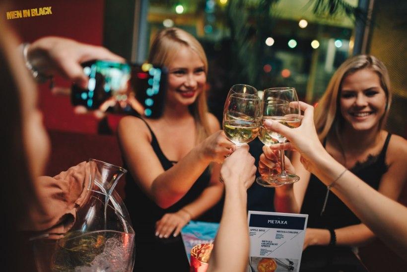 PEOGALERII | Nägusad mehed Lounge Deja Vu laval ja särasilmsed neiud lava ees!