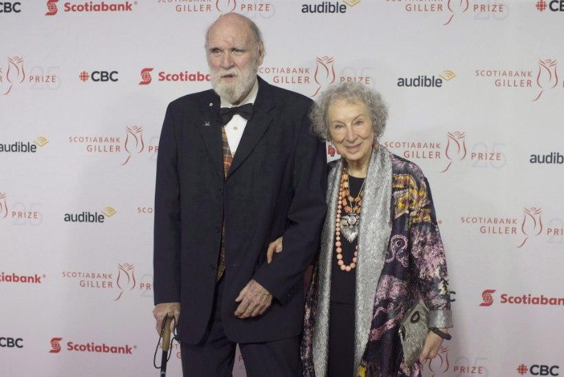 Margaret Atwood jäi keset raamatuturneed leseks