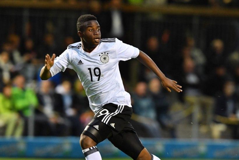 MÜSTIKA! 14aastane poiss teeb Dortmundi särgis imet