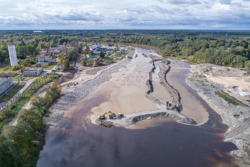 Sindis voolab jõgi nüüd paisu asemel kärestikku