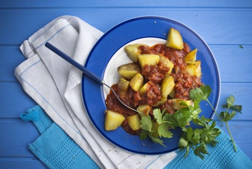 Patatas bravas ehk praetud kartulid vürtsika tomatikastmega