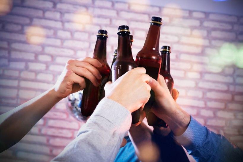 """Tallinna baarikärbsed pilkavad napsimüügi piiramise plaani: """"Siis joome ja lärmame kusagil korteris!"""""""