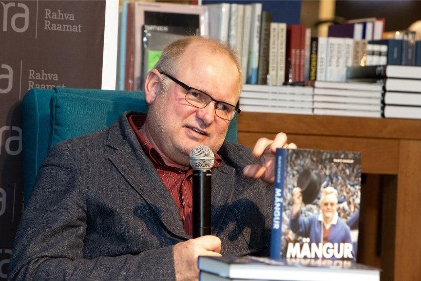 GALERII | Paavo Kangur esitles Edgar Savisaarest kirjutatud elulooraamatut