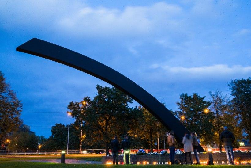 ÕL VIDEO   ALKO JA AMELEMINE: vaata, milline elu käib Estonia mälestusmärgi juures