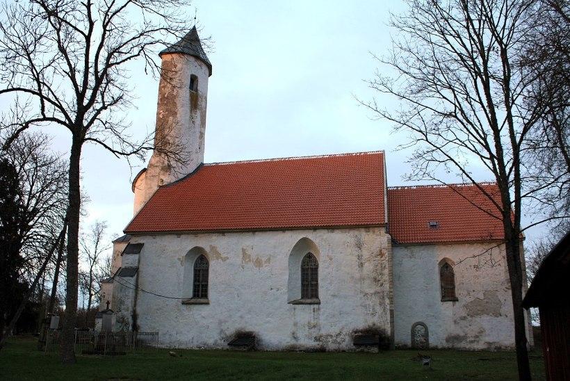 MINE JA IMETLE | Eestimaa kirikud on täis haruldasi aardeid