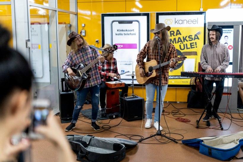 TV3 VIDEO   Tanel Padar ja tema bänd maskeerus bussiterminalis kantrimeesteks ja andis vägeva kontserdi