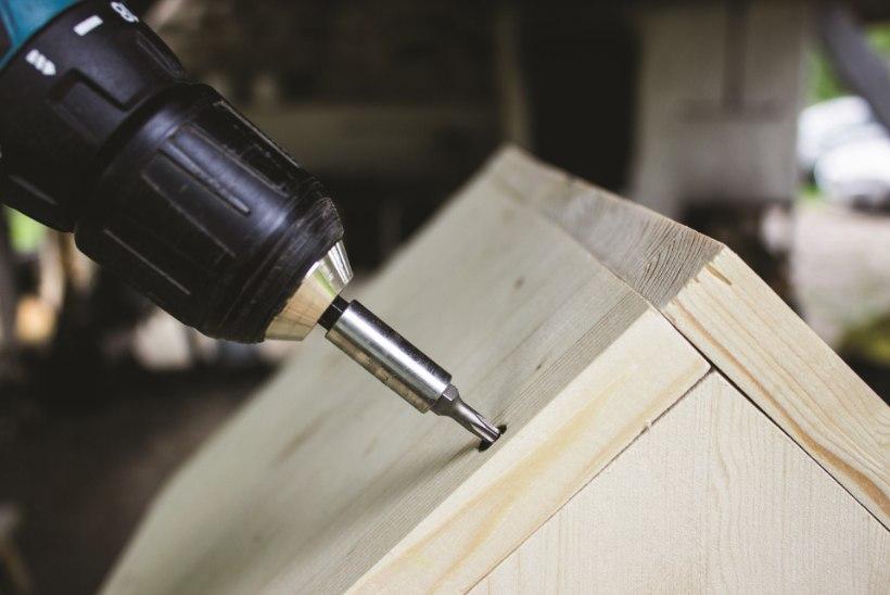 Küttepuud hoiule: meisterda stiilne ja praktiline majake