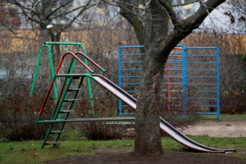 RISKIMINE ELUGA: millised ohud varitsevad last, kes turnib iganenud nõukogudeaegsel mänguväljakul?