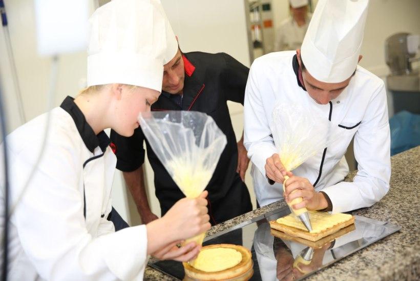 PEAKOKAD LÄHEVAD KOOLI: Eesti toidu kuu raames õpivad lapsed ala parimatega süüa tegema