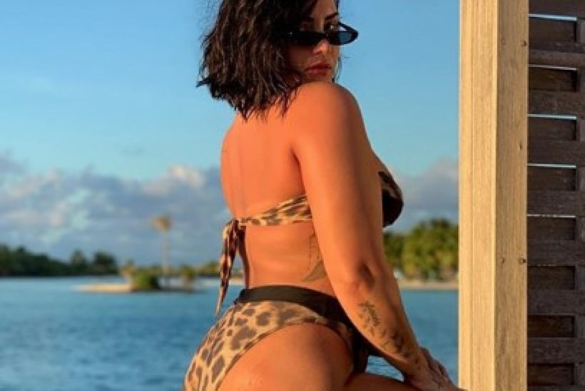 JULGUSTÜKK: Demi Lovato näitab ausalt oma tselluliiti