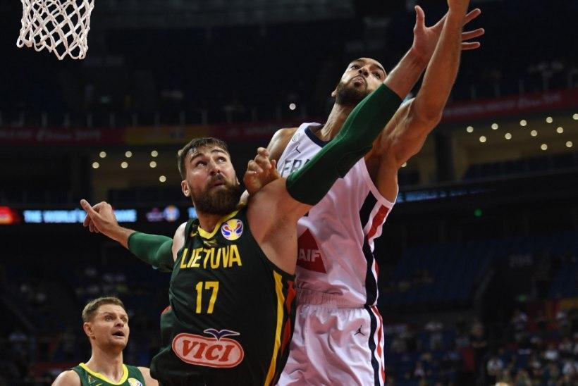 KORVPALLI MM | FIBA tunnistas viga, kuid Leedu mängu tulemust ei muudeta ning peatreener pani ameti maha!