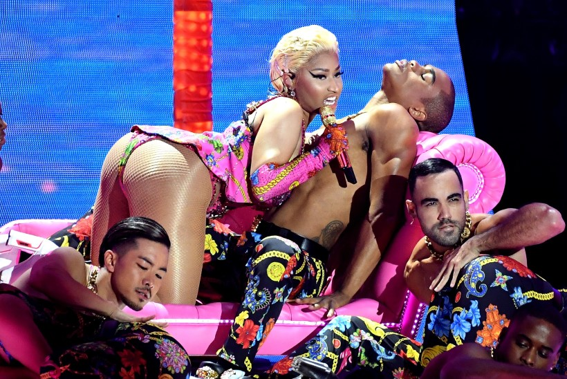 Nicki Minaj palub fännidelt oma taktitu avalduse eest vabandust