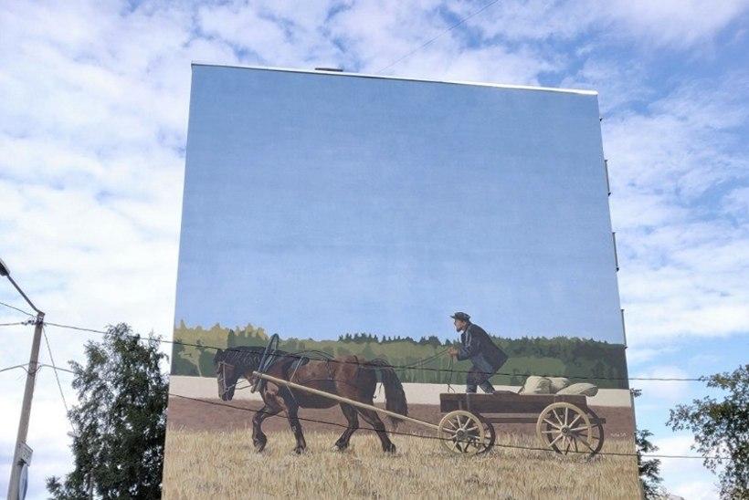 Tallinna kesklinnas asuv maja sai võimsa maalingu