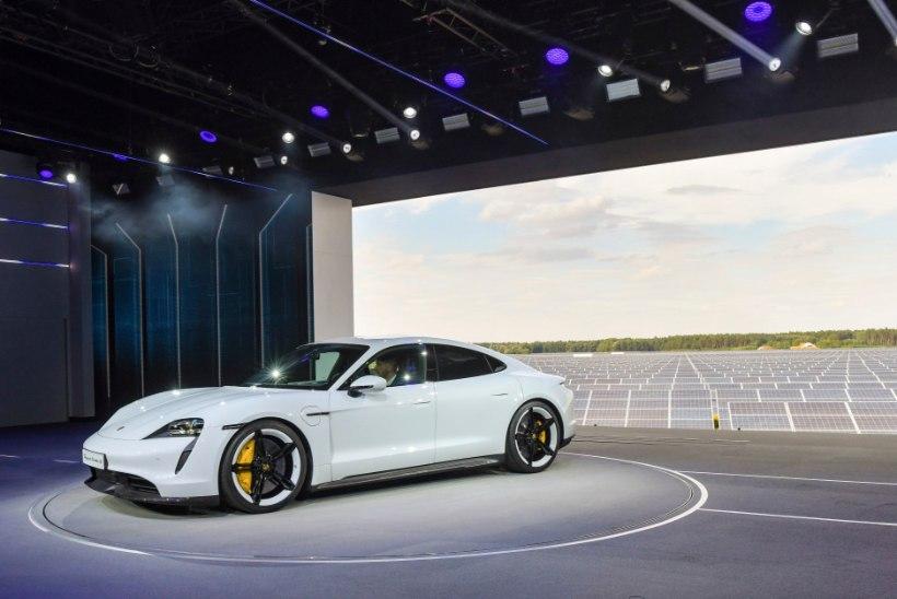 Porsche esimene täiselektriline sportauto Taycan on ootamatult kiire ja kaasaegne