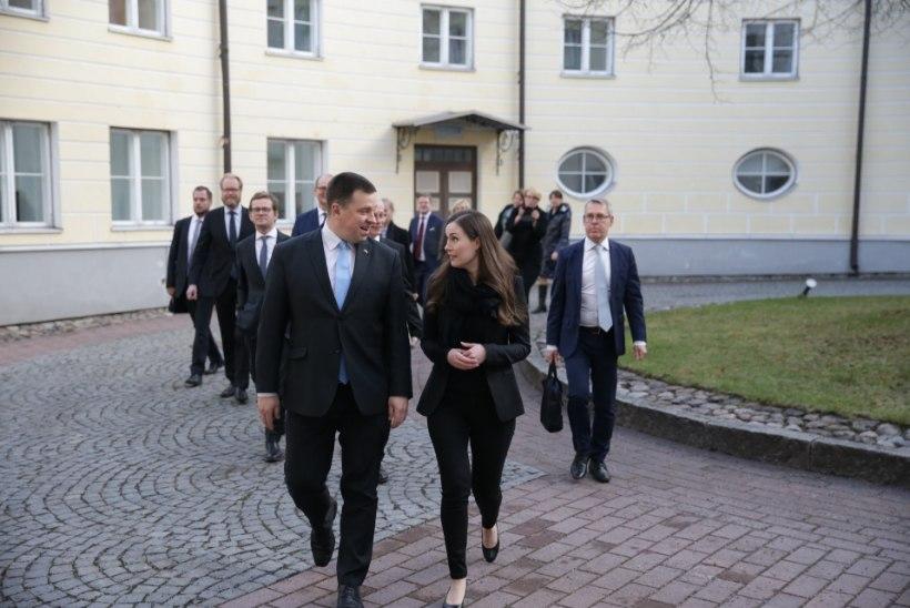 """Sanna Marin näitas Eestis iseloomu: """"müüjatüdrukust peaminister"""" andis Helmele stiilipuhta ninanipsu"""