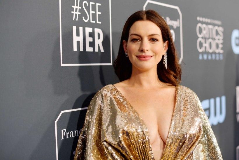 Hiljuti teise lapse saanud Anne Hathaway säras galal vapustavas rüüs