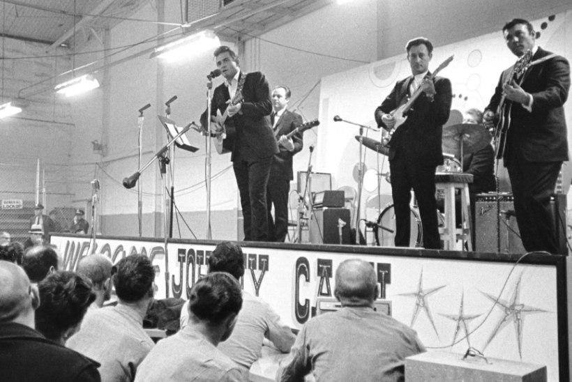 MINEVIKUHETK   13. jaanuar: Johnny Cash lindistas Folsomi vanglas kuulsa albumi