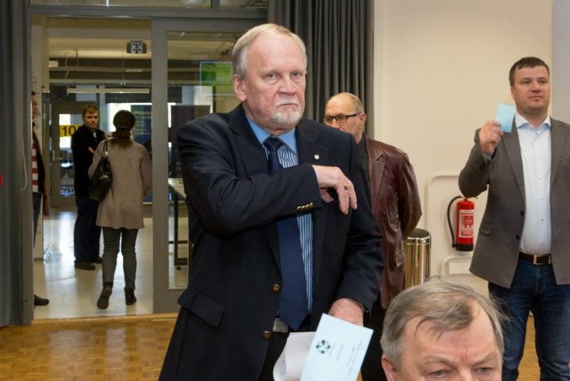 SAVISAARE PROTSESS: 240 000 eurot kraanist alla, Kallo tingimisi vangi