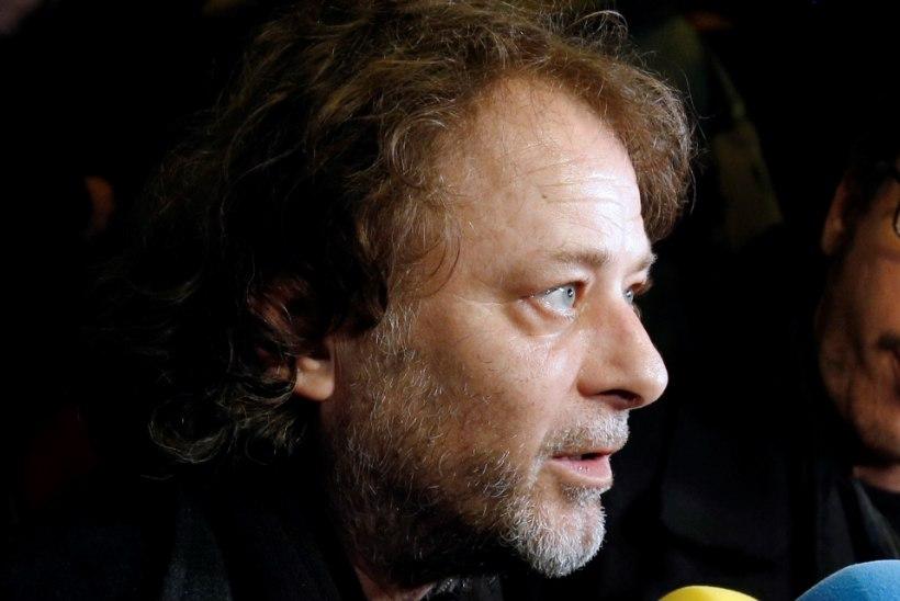 Lapsnäitlejatari ahistamises süüdistatav režissöör võeti vahi alla