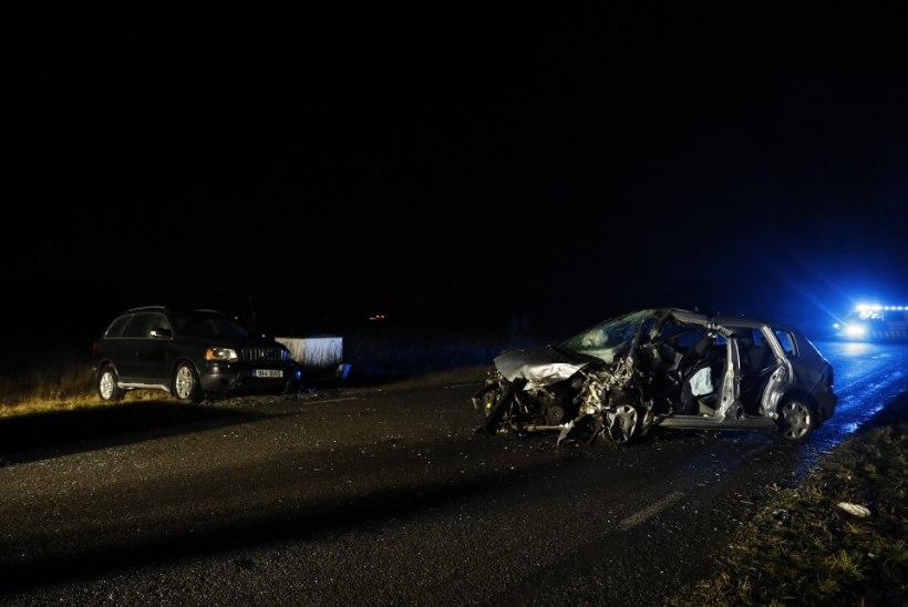 FOTOD | Harku vallas hukkus kahe auto kokkupõrkes 55aastane mees