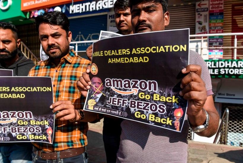 Amazoni bossi tervitasid Indias vihased väikepoodnikud
