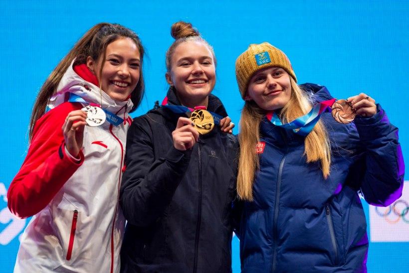 VIDEO   AJALOOLINE HETK: Kelly Sildaru sai olümpiakulla kaela