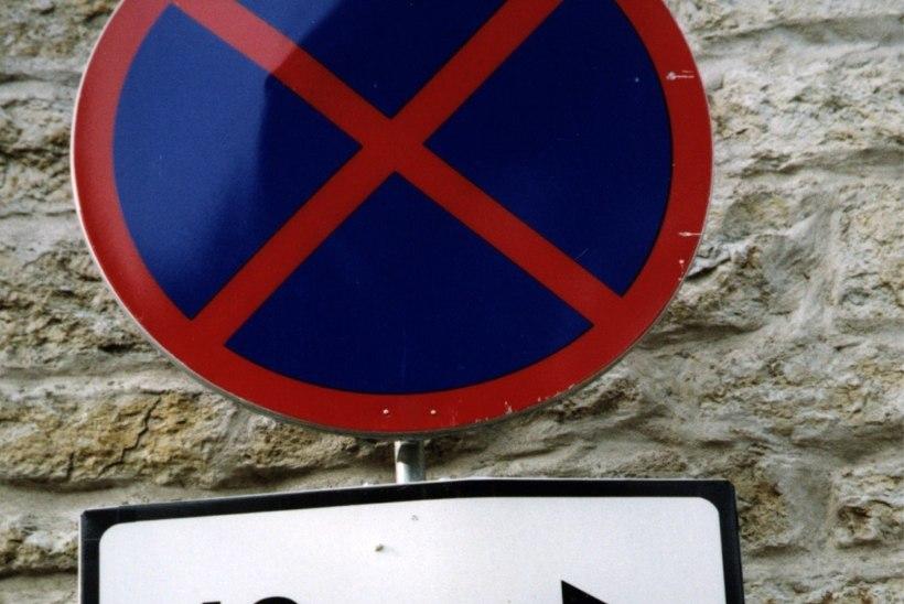 Lugejakiri: võimatu olukord – liiklusmärk on otse akna ees!