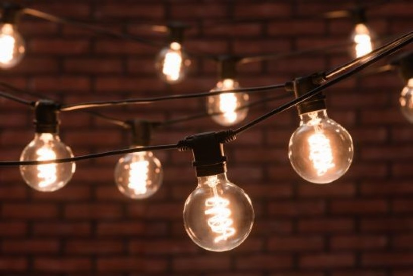 Pimedal ajal aitab kodus õdusust luua mahe valgus