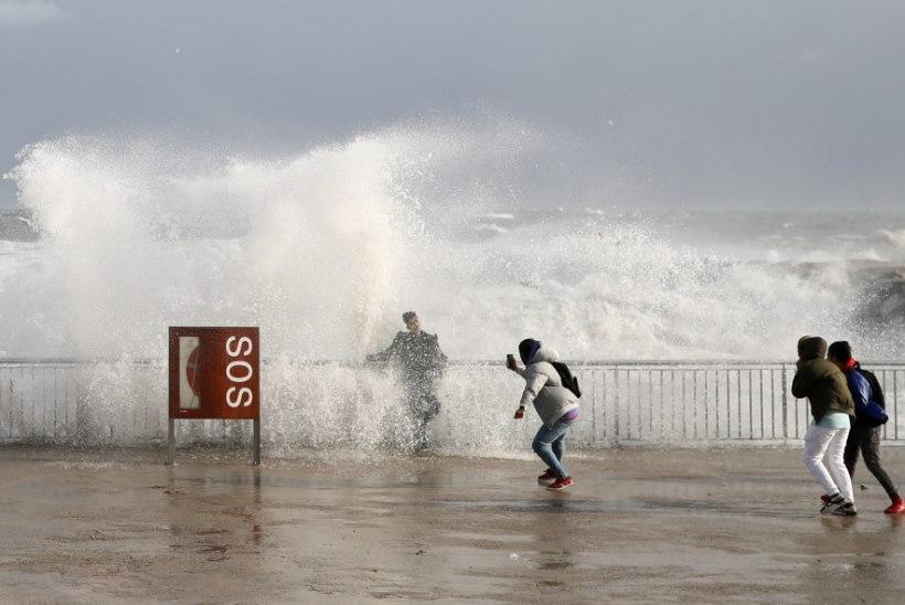 NELI HUKKUNUT: Hispaaniat räsinud torm Gloria suundub Prantsusmaa poole