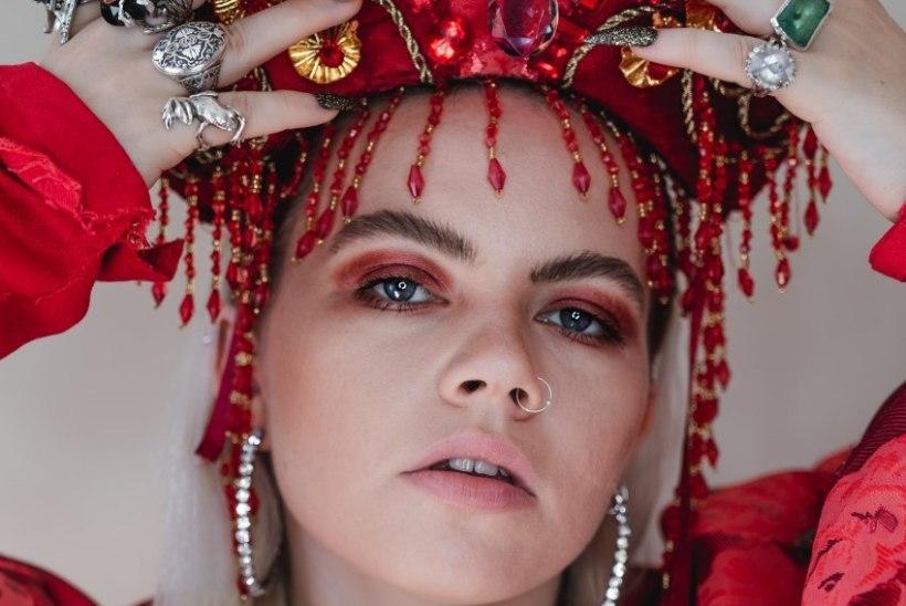 Briti laulja Chinchilla esitab Eesti muusikaauhindadel oma uut lugu