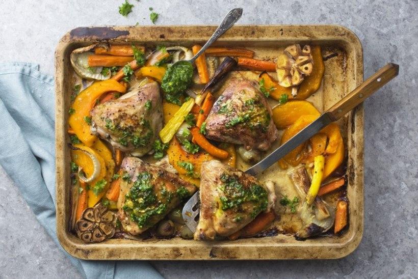 Ühepanniroog kana, köögiviljade ja lehtkapsa pestoga