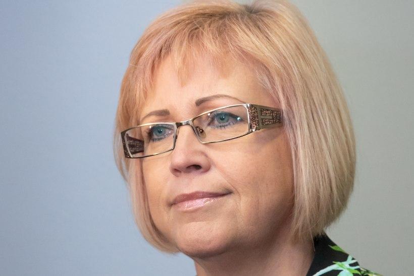 Kiviõli endine koolijuht Heidi Uustalu nõuab kohtult töölepingu lõpetamist