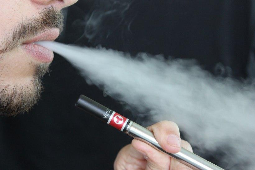 TERVISEEKSPERT HOIATAB: e-sigaretid on ohtlikud ja käivitavad haigusi nagu tavaline suitsetamine