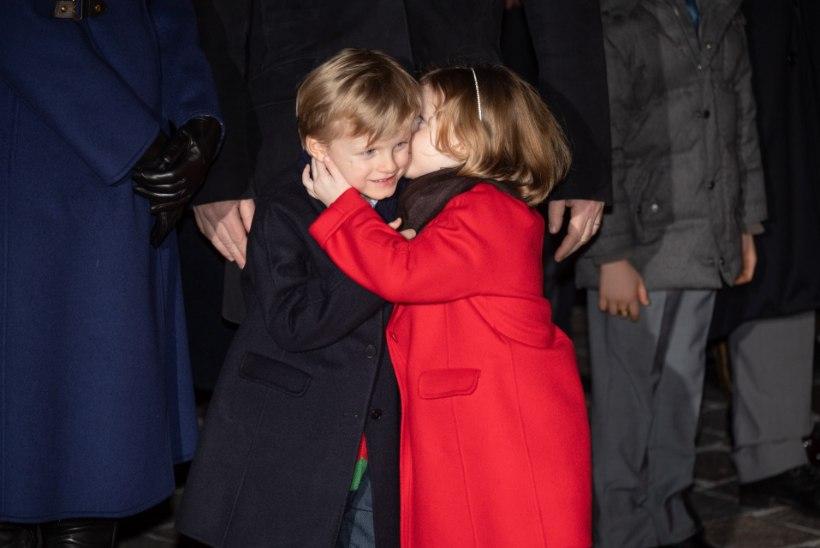 Monaco vürsti nunnud kaksikud võlusid pidupäeval kõiki