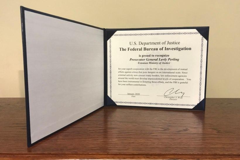 TEENETEMÄRK 2020 | Lavly Perling pälvis ühtaegu riikliku ordeniga ka FBI tunnustuse