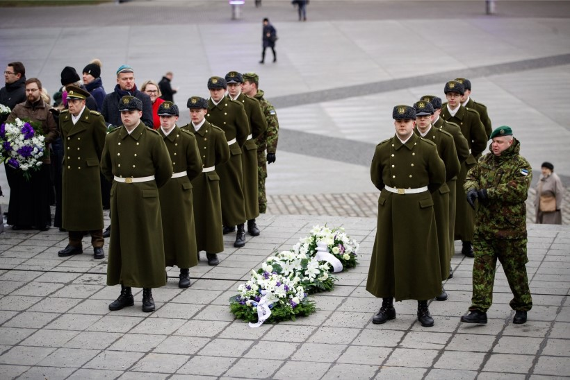 GALERII | 100 sekundit vaikust:  Tallinnas mälestati  Vabadussõjas võidelnuid