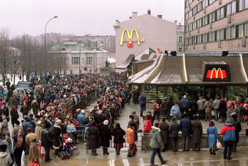 MINEVIKUHETK | 31. jaanuar: Moskvas avati Venemaa esimene McDonald's