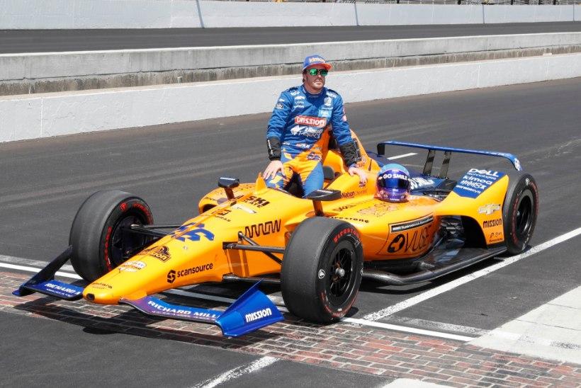 KOLMAS KATSE: Fernando Alonso püüab jõuda mootorispordi kuningliku saavutuseni