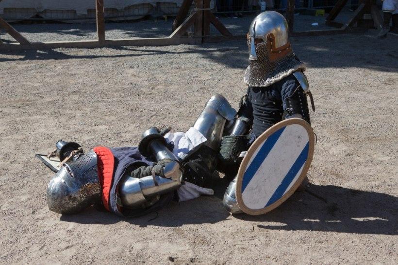 Tõnis Erilaiu lehesaba | Kuidas ordumeister Tallinnas löömingu põhjustas